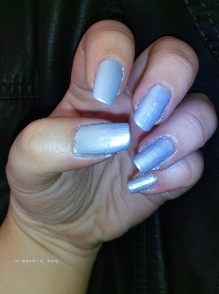 Mani gris azulado